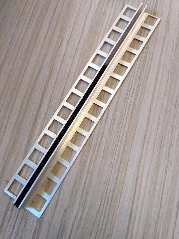 PVC粘接铝合金